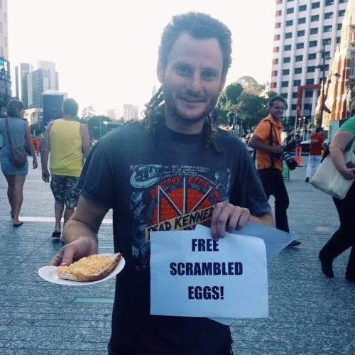 free scrambled eggs